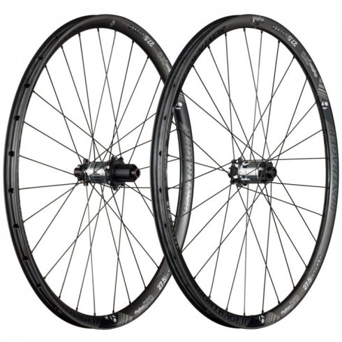 Bontrager Rhythm Pro 27.5 TLR Disc Carbon Wheel