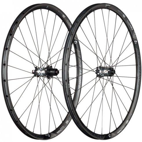 Bontrager Rhythm Pro 29 TLR Disc Carbon Wheel